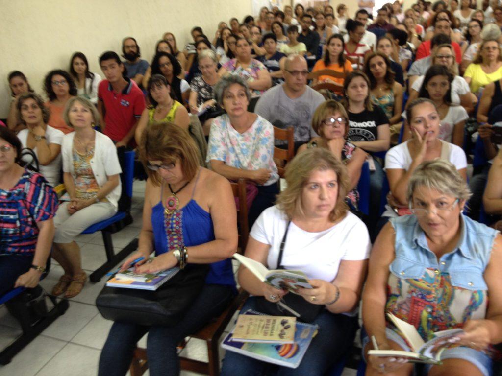 Público presente em curso oferecido pelo Gabi.