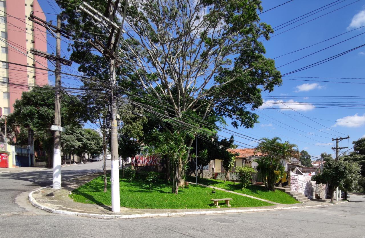 Praça adotada pelo Gabi - Depois